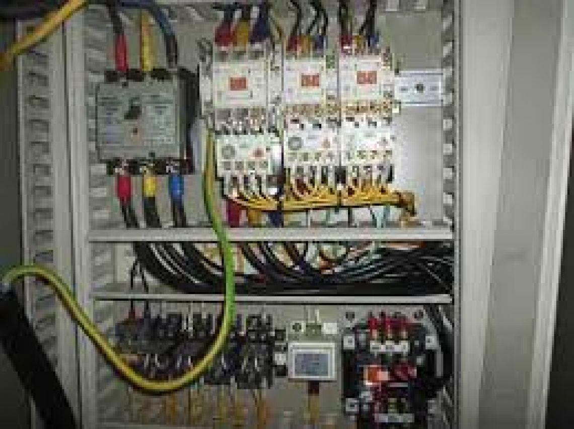 Tukang instalasi listrik di bali